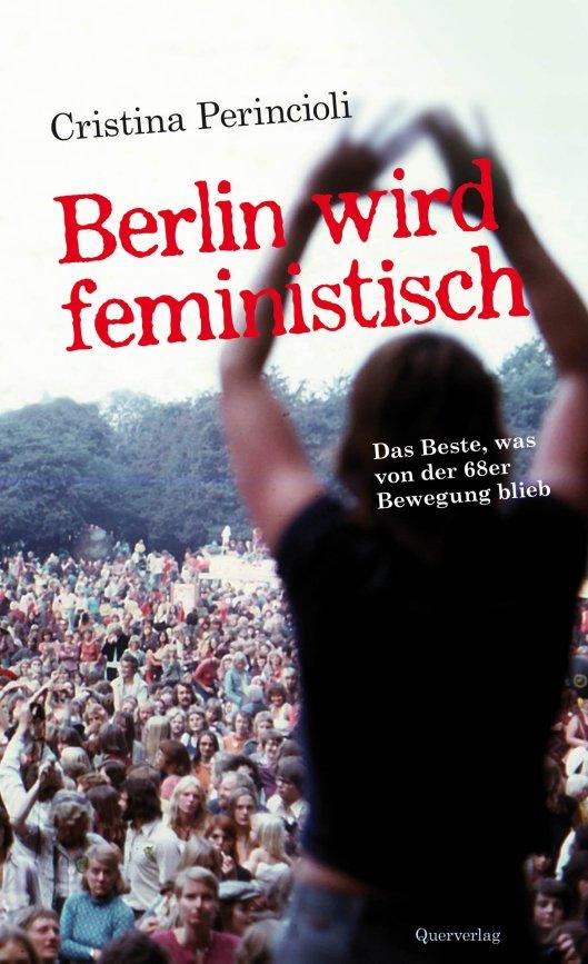 1968 – der Wendepunkt der Studentenbewegung – betraten die Frauen die Bühne: undogmatisch, basisdemokratisch und autonom schufen Feministinnen Hunderte innovativer Projekte und Frauenzentren und haben die Gesellschaft entscheidend verändert. Will man erfahren, wie ein Modernisierungsschub initiiert wird, lohnt es, den Beginn der Frauenbewegung zu kennen. Was machte die Lesben so rebellisch und mutig? Eben noch verborgen, übernahmen sie die Vorhut. Was trieb so viele Frauen auf die Barrikaden? Woher die Inspiration, die Wut, die Freude am Kampf? Wie befreiten sie sich in einem Umfeld, geprägt von Polizei, Berufsverboten, Medienhetze und nicht zuletzt der bohrenden Kritik dogmatischer Linker? Am Beispiel Berlins erzählt Cristina Perincioli die Jahre 1968-1974 entlang ihrer persönlichen Erfahrung und der von 28 weiteren Beteiligten – Akteurinnen, die sie streitbar und anschaulich zu Wort kommen lässt und auch zu den internen Konflikten befragt. Mehr als 80 Fotos illustrieren Geschehnisse und Personen.